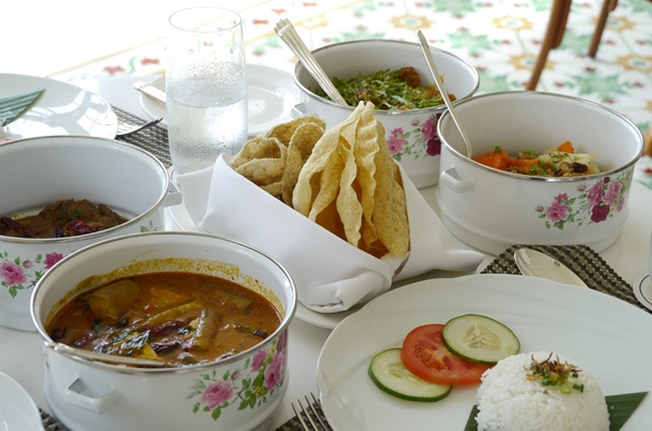 The Danna Hotel Tiffin Lunch