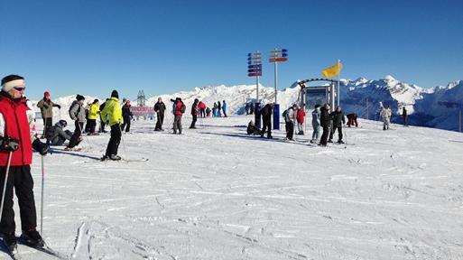 Samoen Skiing